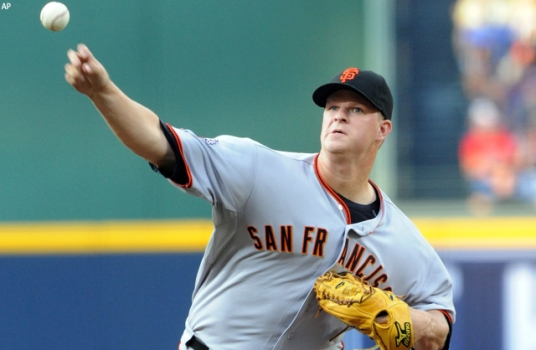Cain Carries Giants to Win Over Braves