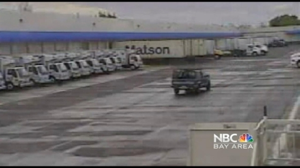 Cargo Theft Caught On Tape