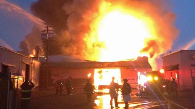 [BAY] SJ Firefighters Battle 5-Alarm Warehouse Fire