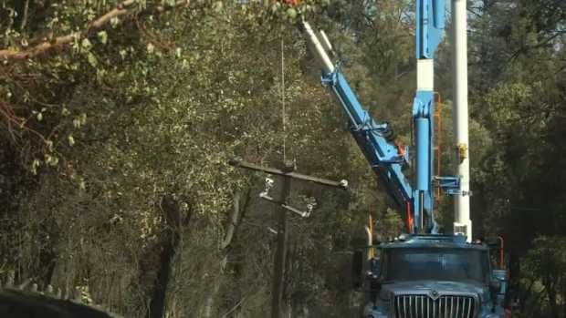 PG&E Crews Prepare for Power Outages as Storm Hits Bay Area