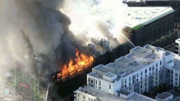 [BAY] San Francisco Firefighters Battling Massive Blaze