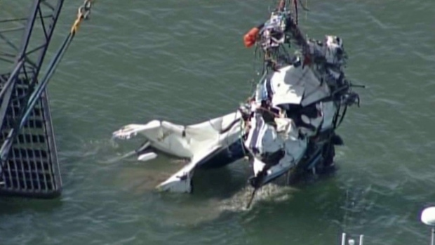[BAY] Crews Recover Cessna That Plunged Into San Francisco Bay