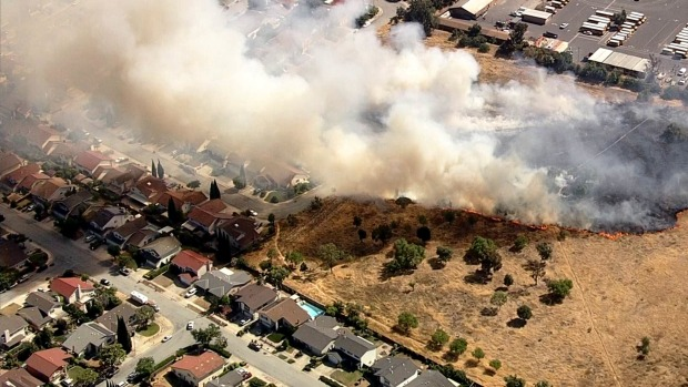 Brush Fire Comes Dangerously Close to Homes in East San Jose