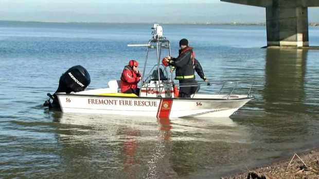 Search Resumes for Missing Kayaker Near Dumbarton Bridge