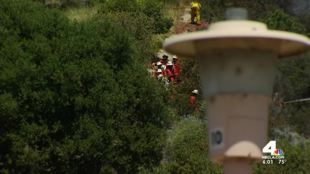 [LA] Fire Chars 5 Acres in Pacific Palisades