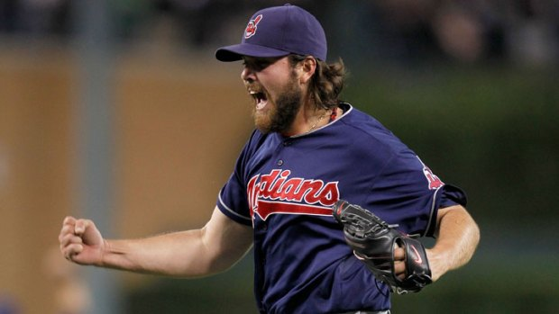Giants Like Indians Closer Chris Perez: Report