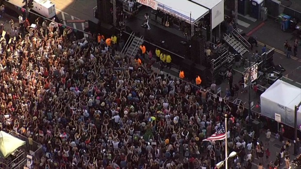 RAW: Crowd Promotes 'Peace, Love & Understanding' in SF