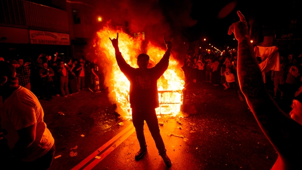 [BAY] 40 Arrested During Giants Victory Celebrations: Police