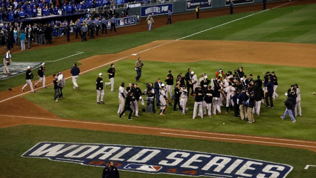 [BAY-NATL] Players and Fans Celebrate Giants' World Series Win