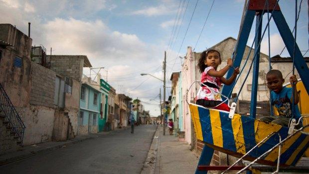 [NATL] Photos: Beyond Cuba's Tourist Boom