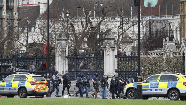 [NATL] Eyewitness Recalls Incident at British Parliament