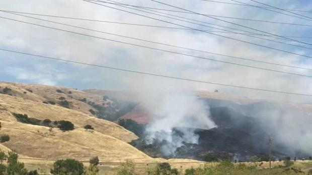 [BAY] Brush Fire Ignites Near Highway 101 in South San Jose