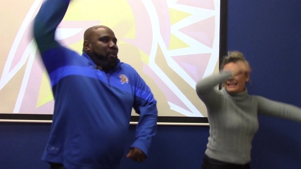 [BAY] RAW VIDEO: SJSU Coach Carter Teaches 'Hammer Time' Dance