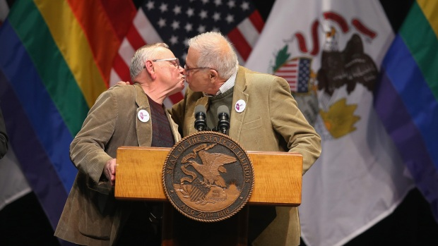 Gay Marriage Becomes Legal in Illinois