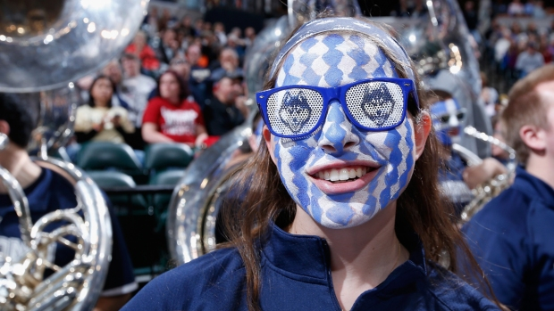 [NATL] March Madness Courtside: Fans, Mascots, Cheerleaders