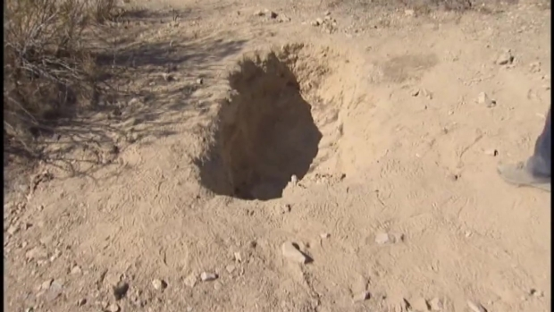 [LA] Investigators Work to ID 4 Bodies Found in Desert