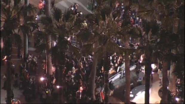 [BAY] RAW VIDEO: Giants Fans Celebrate NLCS Championship Win
