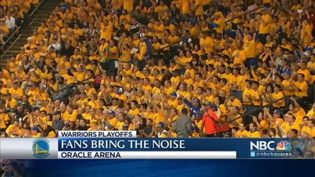 [BAY] Oracle Arena Fans Loud as Warriors Beat Pelicans in Game 2