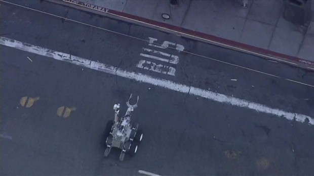 RAW: San Francisco's Bomb Robot Investigates Rice Cooker