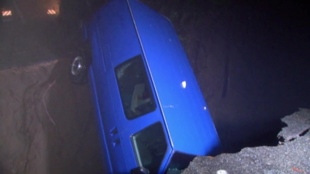 RAW: Van Swallowed Up by Sinkhole in Santa Cruz Mountains