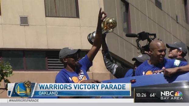 RAW VIDEO: Kevin Durant Arrives at Championship Parade