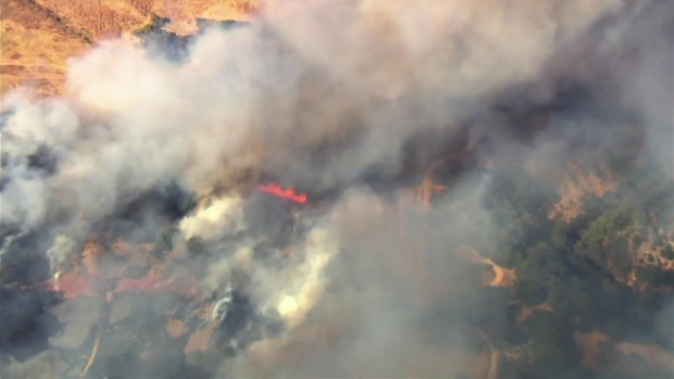 RAW: Brush Fire Burns 2 Homes, Forces Evacuations in San Jose's Alum Rock Neighborhood