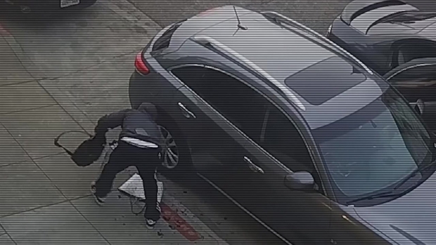 [BAY] RAW: SF Vehicle Break-In Suspect Caught on Video