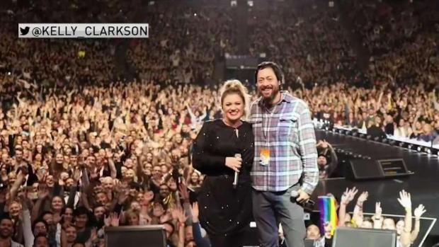 [BAY] Kelly Clarkson Honors Camp Fire Survivor at Oakland Concert