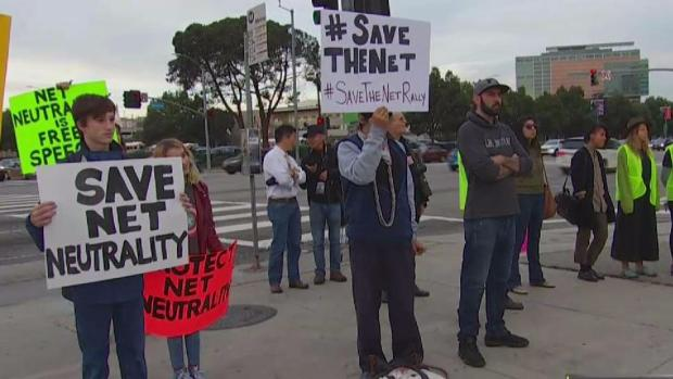 [NATL-LA] Protesters Rally in Favor of Keeping Net Neutrality Rules