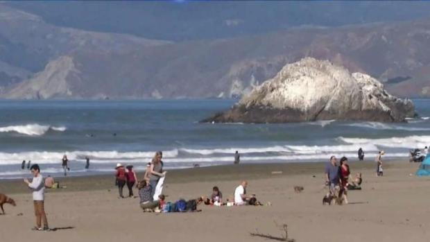 San Francisco Residents Soak Up the Sun in Unusual Warm Winter Temperatures
