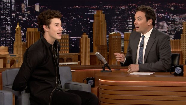 [NATL] 'Tonight': Shawn Mendes Got Stopped by Drake's Security Guard