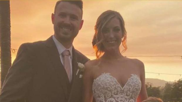 [BAY] Smoky Wedding Photo in Wine Country Goes Viral