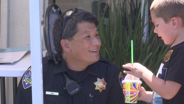 [BAY] Hugs of Gratitude at Pleasanton 7-11 'Slurpee with a Cop' Event
