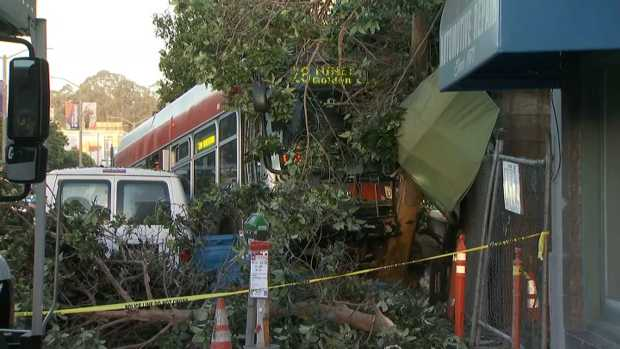[BAY BW] Muni Bus Crashes Into Building in SF, Injuring at Least 2