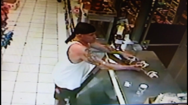 [MI] RAW VIDEO: Man Tries to Trade Live Alligator for Beer at Miami Store