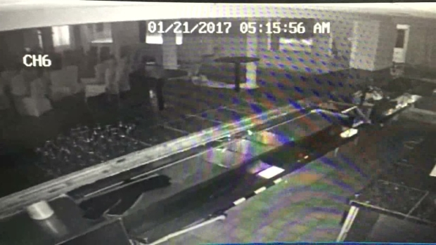 [NATL-DFW] Wave Crashes Through California Restaurant, Caught on Cam