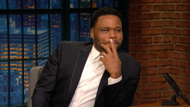 [NATL] 'Late Night': Anthony Anderson Recounts Playing Golf With Obama