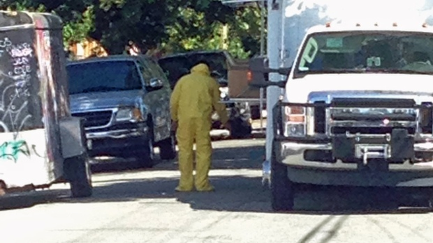[BAY PHOTOS] Feds Search Suspected San Jose Meth House
