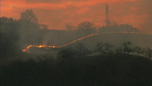 [BAY] RAW VIDEO: Grass Fire Near Grant County Park in San Jose