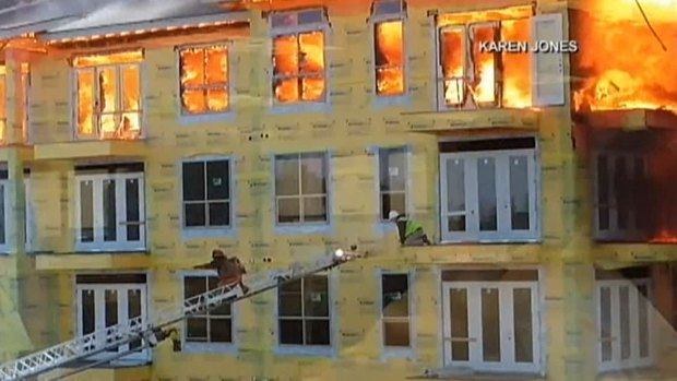 [DFW] WATCH: Worker Saved From Burning Apartment Complex