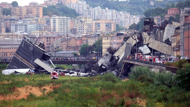 Top News Photos: Deadly Italy Bridge Collapse