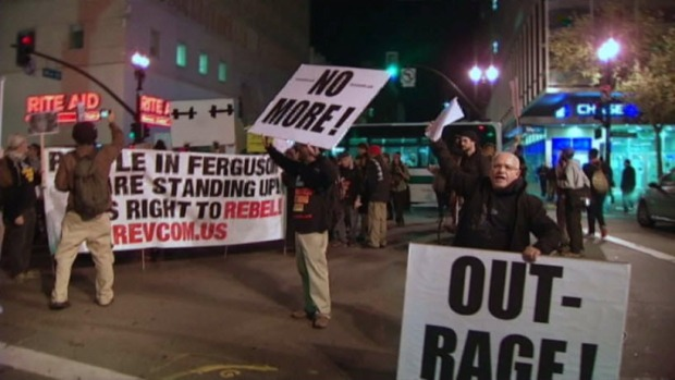 Protesters March in Oakland Over Ferguson Decision