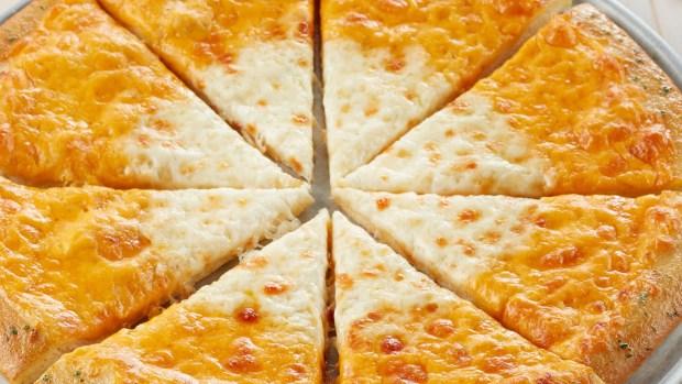 [NATL] Chuck E. Cheese's Introduces 'Candy Corn' Pizza This 'Chucktober'