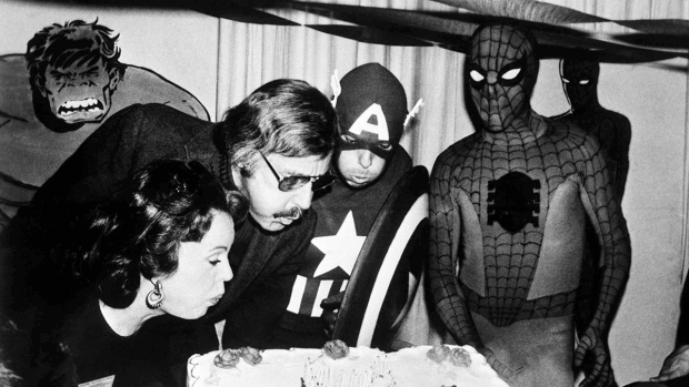 [NATL] 'Marvel' Mastermind Stan Lee's Life in Photos