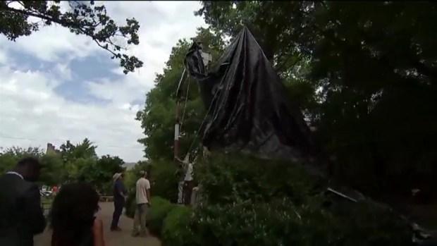 [NATL] Robert E. Lee Statue Covered in Charlottesville