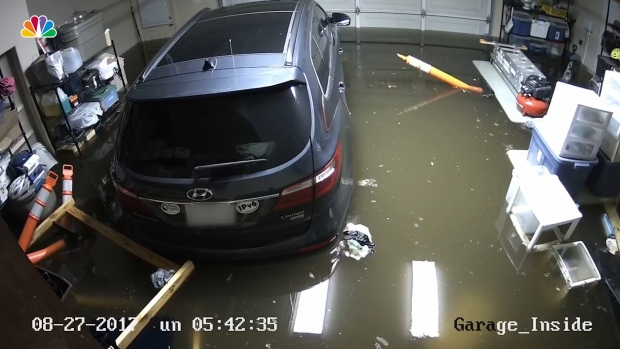 Time-Lapse Shows Flooding in Houston-Area Garage