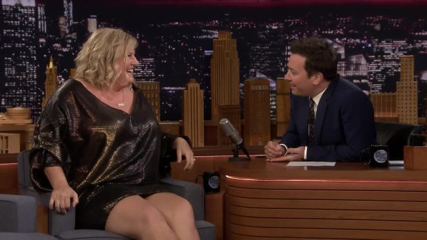 [NATL] 'Tonight': Bridget Everett Sang Amy Schumer's Favorite Love Song at Her Wedding