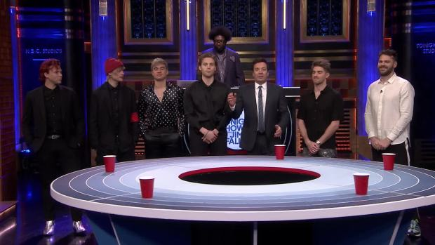 [NATL] 'Tonight': Musical Beers with The Chainsmokers and 5 Seconds of Summer