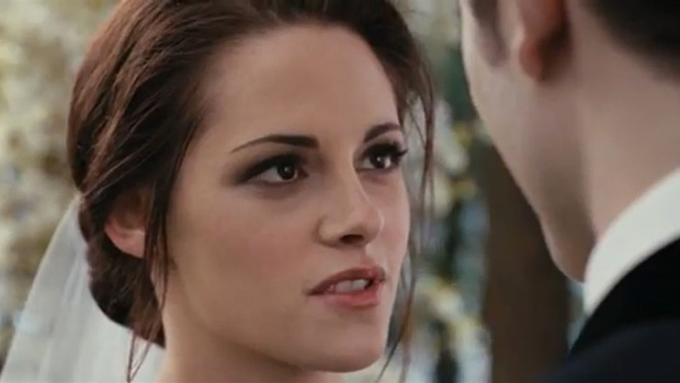 """Twilight Breaking Dawn Pt. 1"" Trailer Bodes Ill for Honeymoon Headboards"