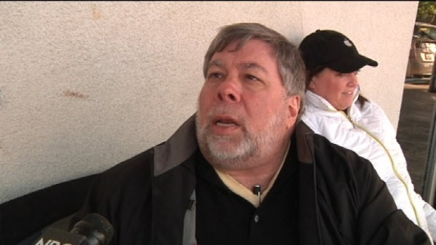 [BAY] Raw Video: Woz Waits for 'Hunger Games'